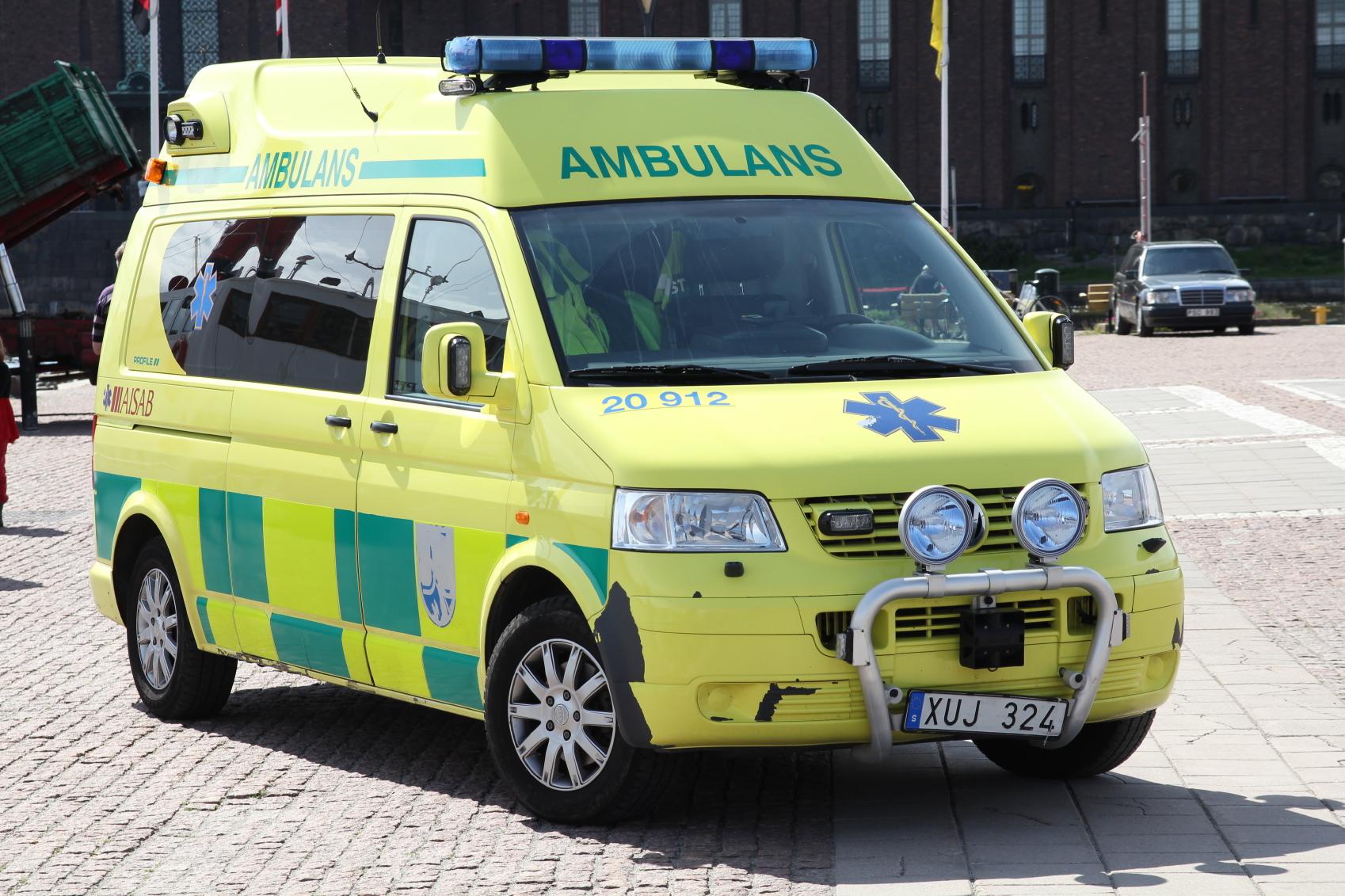 Da fødslen var en styrtfødsel blev ambulance tilkaldt