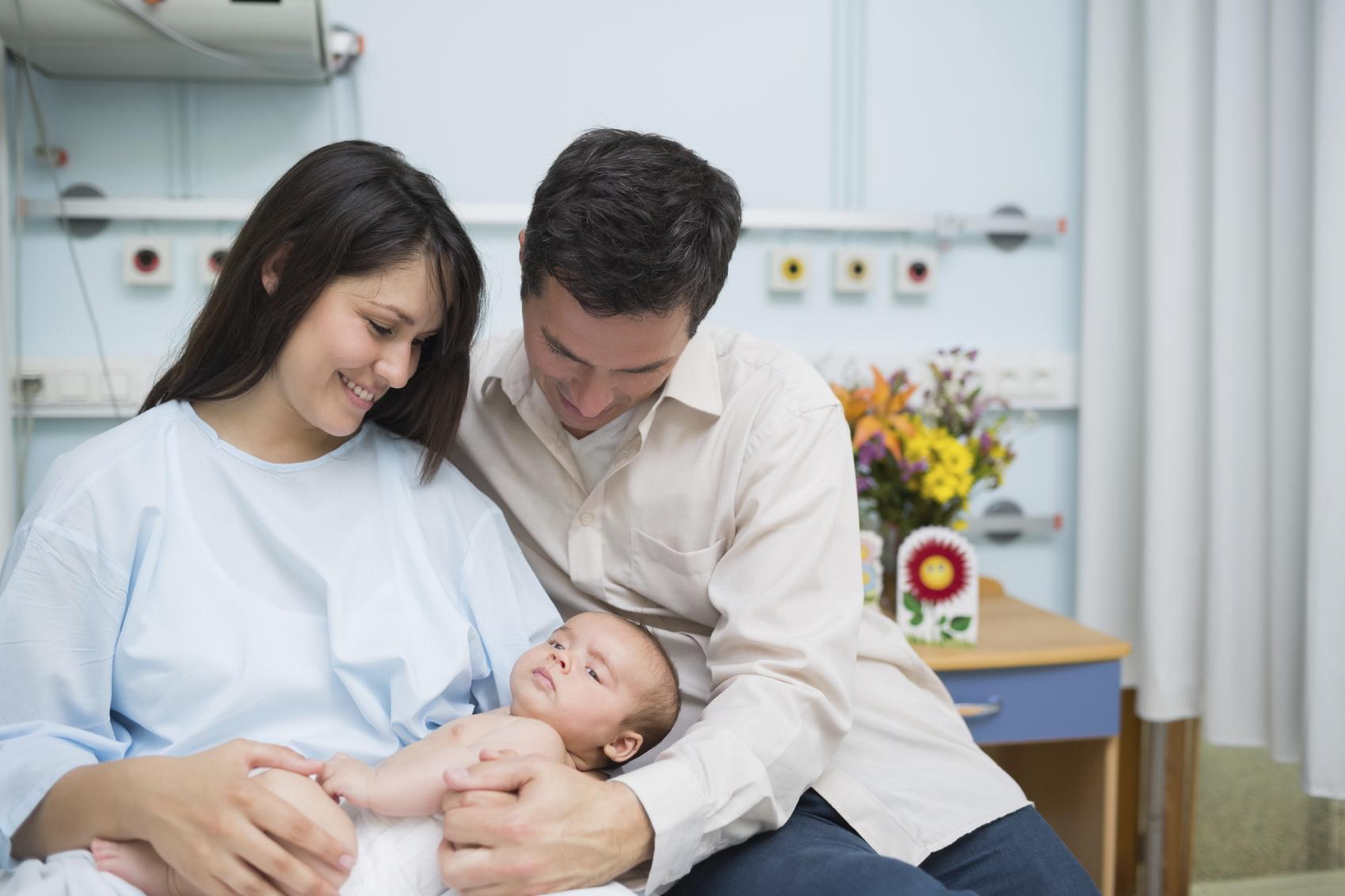 Efter en igangsat fødsel kom han endelig til verden