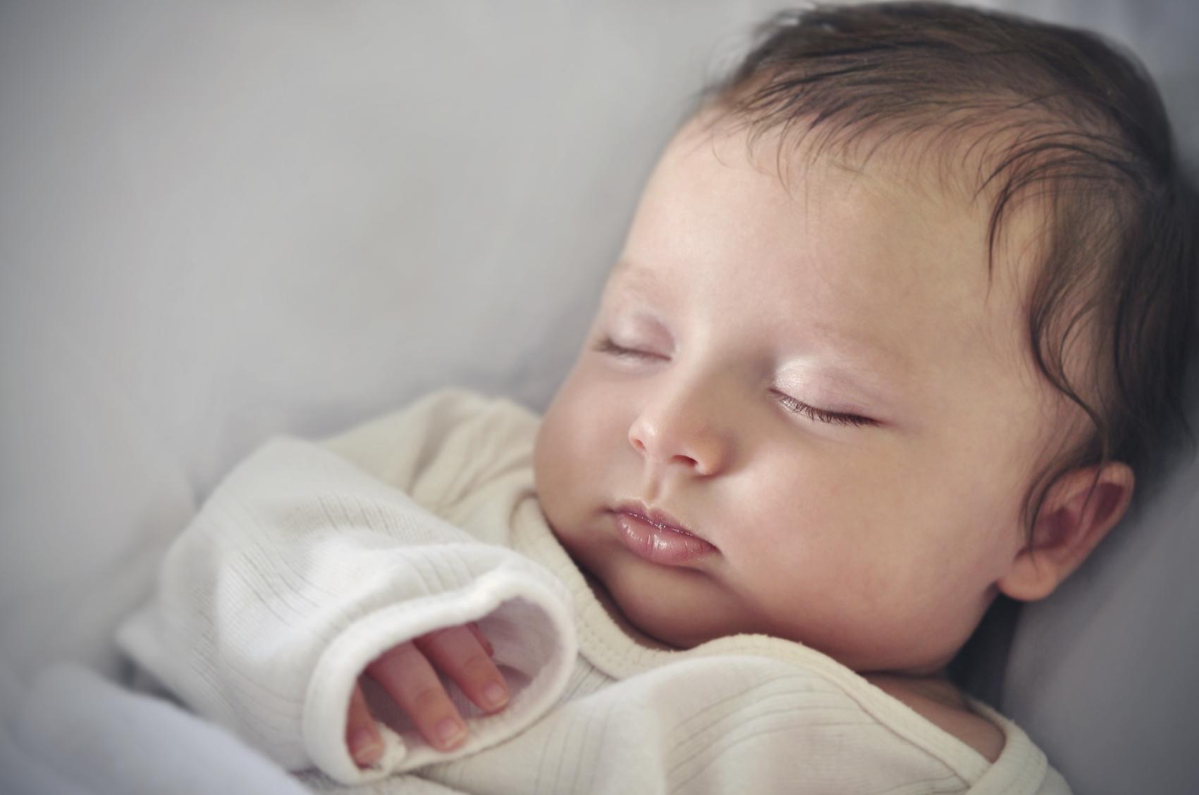 Fødslen - Rasmus kommer til verden efter få timer