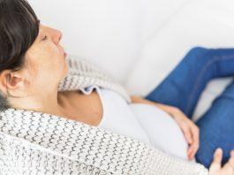 Hvor kraftige slag i maven skal der til når man er gravid, før det kan skade barnet?