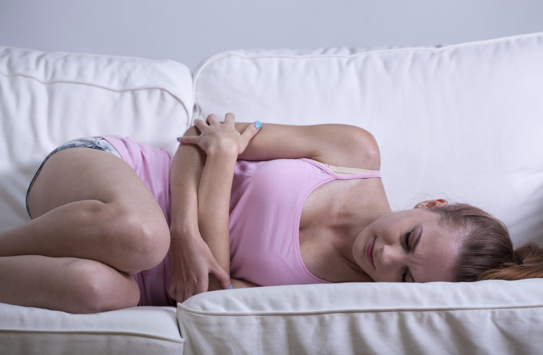 udløsning ondt i maven og kvalme
