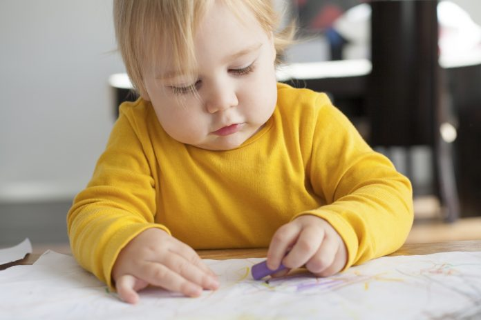 Kan det betale sig at bruge babytegn til babyer?