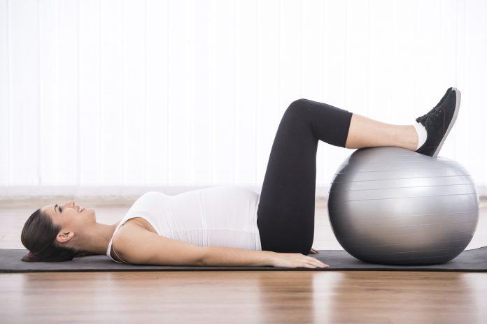 Må man lave mavebøjninger når man er gravid?