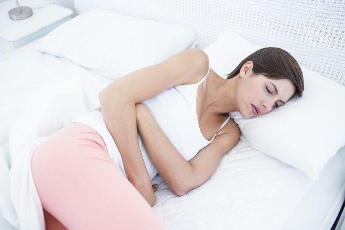 smerter i magen gravid lettkledde